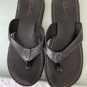 Women's Clark's leather flip flops